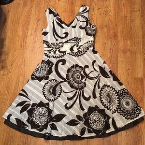 Dresses & Skirts - brown and cream floral sleeveless V-neck dress